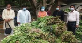 কর্মহীনদের বাড়িতে পররাষ্ট্র প্রতিমন্ত্রীর 'ভালবাসার উপহার'