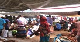 গোদাগাড়ীতে হাট বাজারে স্বাস্থ্য বিধি মানা হচ্ছে না