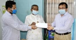 বাগমারা উপজেলা স্বাস্থ্য কমপ্লেক্সে এমপি এনামুলের অর্থ প্রদান