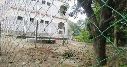 মোহনপুরে স্কুলের জমিতে বাড়ি নির্মাণের অভিযোগ, উত্তেজনা