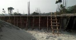 মোহনপুরে সওজের জায়গা দখল করে ভবন-মার্কেট নির্মাণ