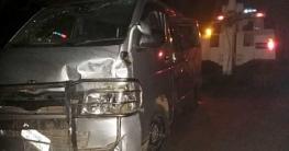 রাজশাহীতে মাইক্রোবাস উল্টে ৩ র্যাব সদস্য আহত