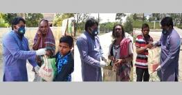 রাবি ক্যাম্পাসের অসহায়দের পাশে ছাত্রলীগ নেতা শাতিল