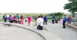 রাজশাহীর পদ্মাপাড়ে প্রশাসন, ইচ্ছে মতো ঘোরাঘুরি বারণ